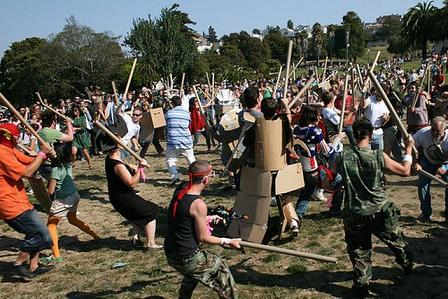 Cardboard Tube Fighting League, Kartoncs�, vívás, extrém, sport, extreme, sportok,